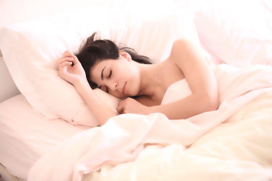 sleep hot luteal phase