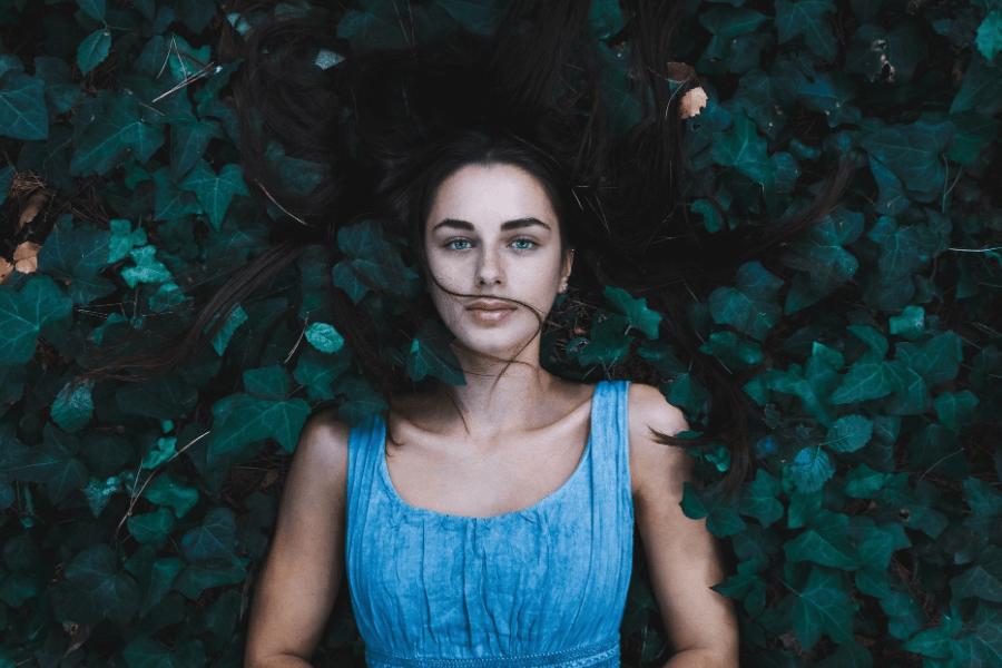 woman thyroid