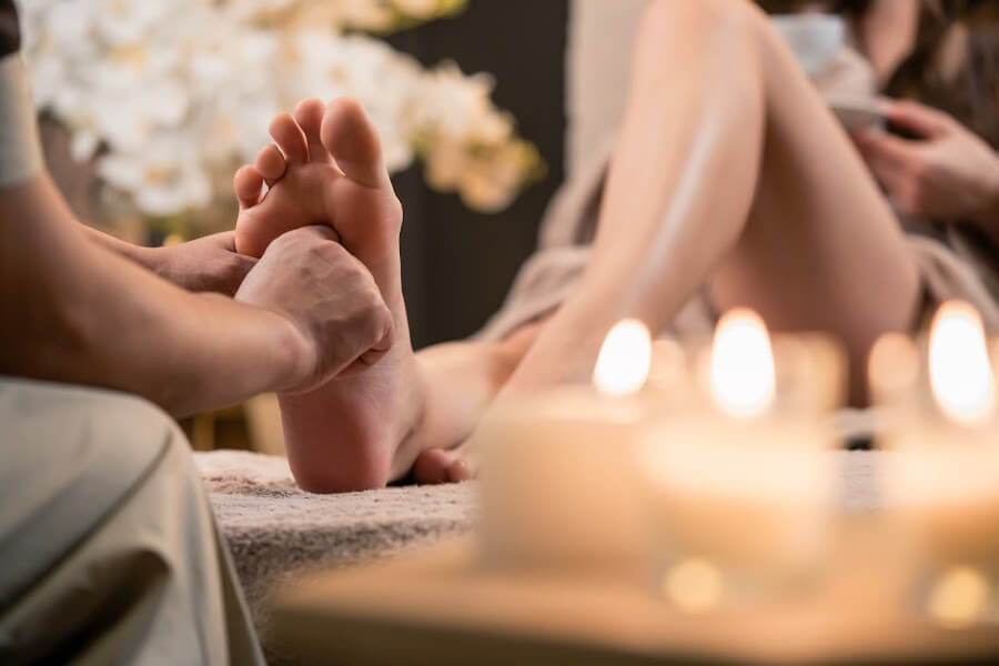 Reflexology for period problems and fertility
